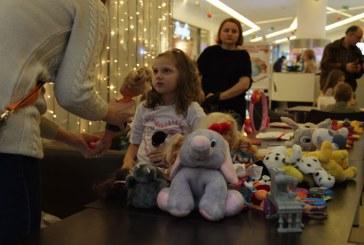 Micutii comercianti si-au vandut marfa, la Targul de Jucarii (VIDEO)