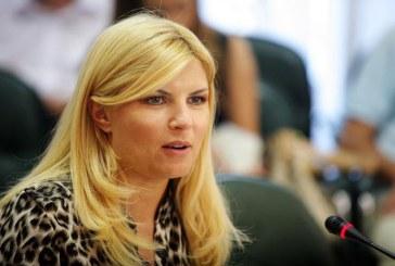 Elena Udrea a fost data oficial in urmarire generala