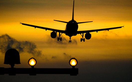 avion-decolare-aeroport