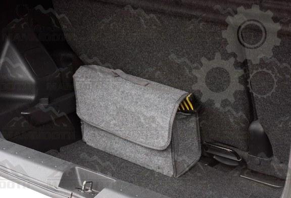 Baia Mare: A aruncat o geanta furata in raul Sasar, dupa ce a fost observat de un agent de politie