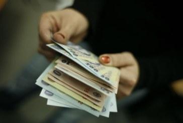Guvernul a aprobat marirea salariului minim la 975 de lei