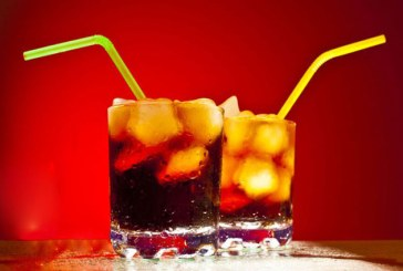 Ce riscam daca bem multe sucuri dietetice?