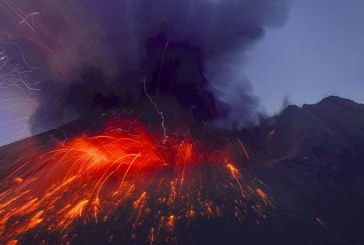 Stare de urgenta in Indonezia dupa eruptia vulcanului Karangetang din insula Siau