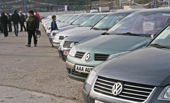 Numarul inmatricularilor de autoturisme a scazut in Romania cu aproape 2%, in S1