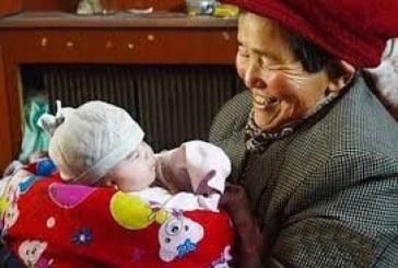 O chinezoaica a adoptat si a crescut 39 de copii cu dizabilitati.