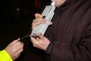 Maramures: Prins azi-noapte de politisti. Soferul a avut o alcoolemie de 1.18 mg/l alcool pur in aerul expirat