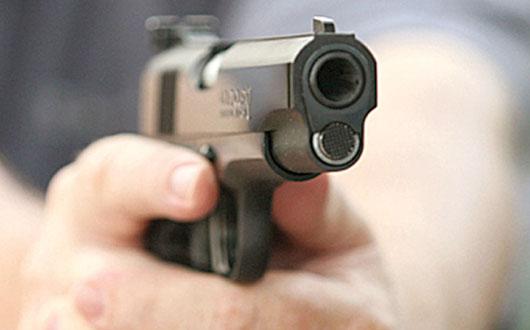focuri-de-arma-pistol-tragere