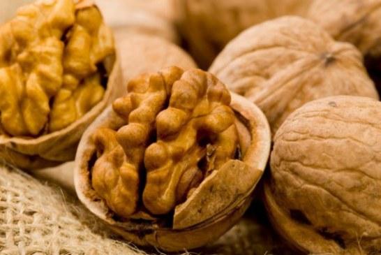 Nucile proaspete consumate de doua sau mai multe ori pe saptamana scad riscul de deces cardiovascular. Atentie la cele vechi!
