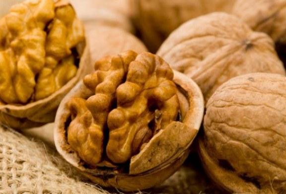 Consumul regulat de fructe cu coaja lemnoasa reduce riscul cardiovascular
