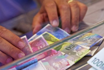 Protest la BNR: Zeci de baimareni cu credite in franci elvetieni ies in strada