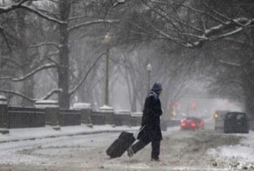 """Peste 2000 de zboruri anulate in SUA inainte unei """"furtuni istorice"""""""