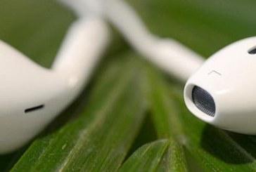 Peste 1,1 miliarde de tineri risca probleme auditive din cauza dispozitivelor electronice