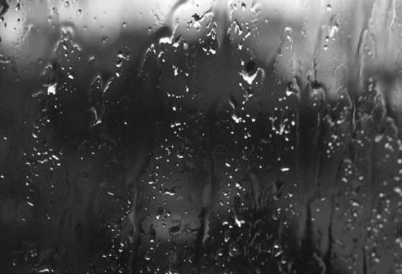 Meteo: Instabilitate atmosferica si ploi torentiale prognozate pana vineri