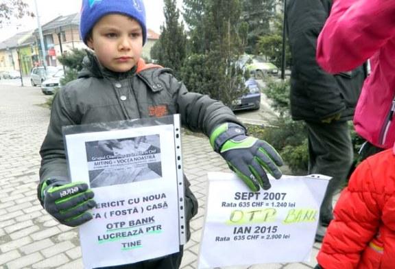 Baimarenii au protestat in fata BNR din cauza francului elvetian (FOTO)