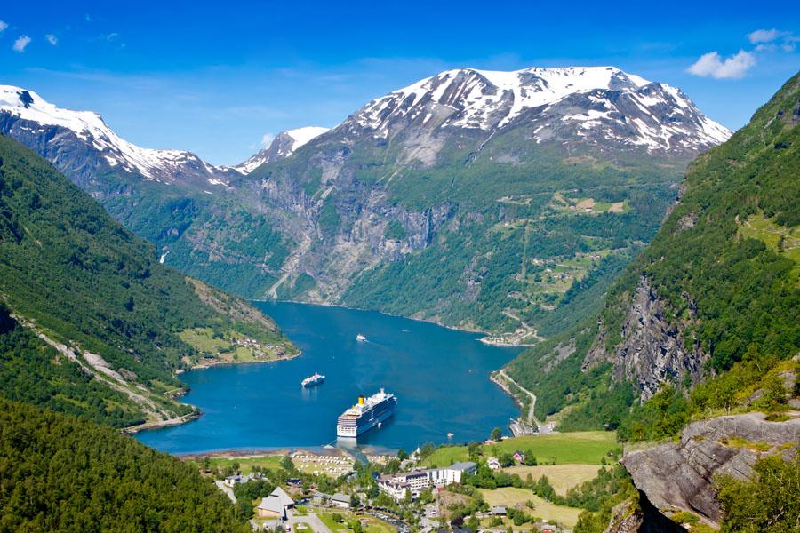 norvegia-fiorduri-norvegia-croaziera-fiord-geiranger-fiorduri-norvegia_xomd