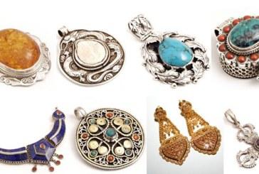 Bijuterii confiscate dintr-o masina din Baia Mare