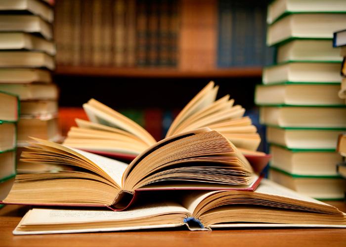 Parintii, indemnati sa continue sa le citeasca copiilor in perioada adolescentei
