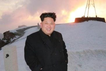 """Kim Jong-Un a urcat pe cel mai inalt munte din tara pentru a-si """"hrani mintea"""""""
