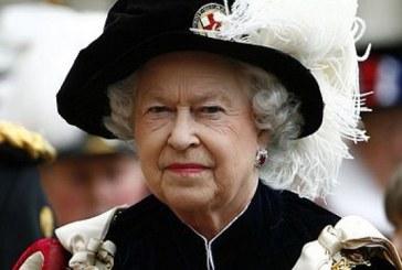 Un suporter al echipei Arsenal i-a cerut reginei sa-i faca rost de bilete la finala Cupei Angliei