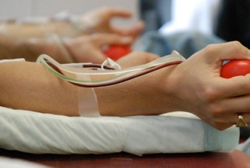 Baimarenii, chemati sa doneze sange pentru tanara care s-a aruncat de la etaj
