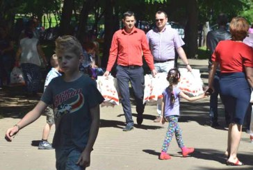 350 de pachete oferite copiilor de catre TSD Maramures si TSD Baia Mare