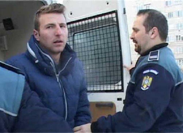 Criminalul din Baia Sprie, dupa gratii 15 ani. Mama adolescentei: