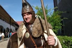 """Sighetu Marmatiei: Lupte medievale si concerte la festivalul """"Eternul Maramures"""""""