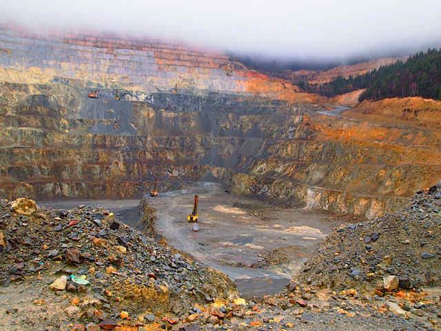 rosia-montana-open-pit-mining