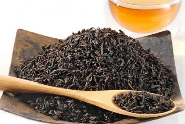 Tot mai putini britanici tin la traditia ceaiului negru