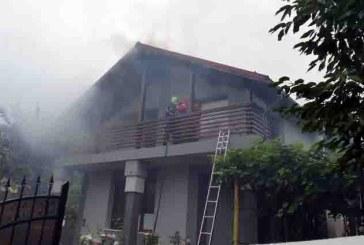 Un incendiu a provocat pagube serioase unei case din Baia Mare
