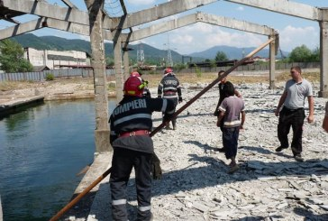 Un tanar de 21 de ani si-a pierdut viata intr-un bazin din Baia Mare