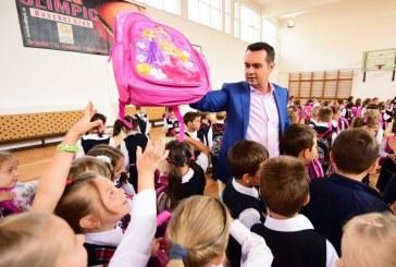 Campanie reusita: Chereches s-a promovat pe banii nostri, politizand actiunea Primul Ghiozdan