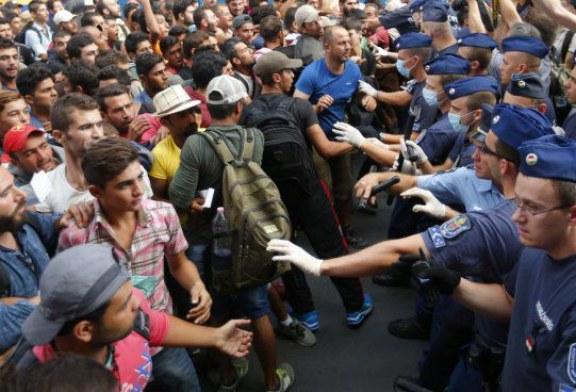 Marea migratie a secolului XXI: Europa sub asediu