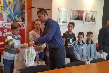 TSD Baia Mare a oferit rechizite scolare elevilor proveniti din familii defavorizate
