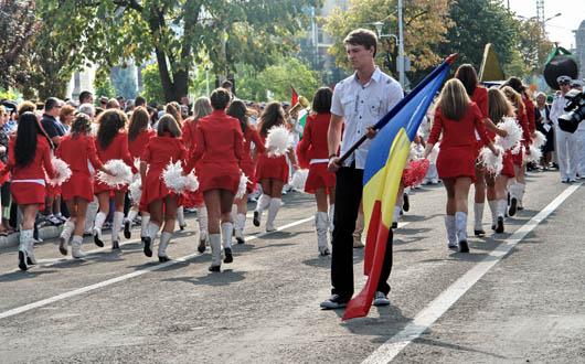 sarbatoarea-castanelor-2011-parada-oficiala1