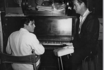 Pianul lui Elvis si toba folosita de Beatles in concertele din SUA, scoase la vanzare