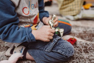 RAPORT HHC – Peste 4000 de copii și adolescenți încă trăiau în orfelinatele din România la final de 2020
