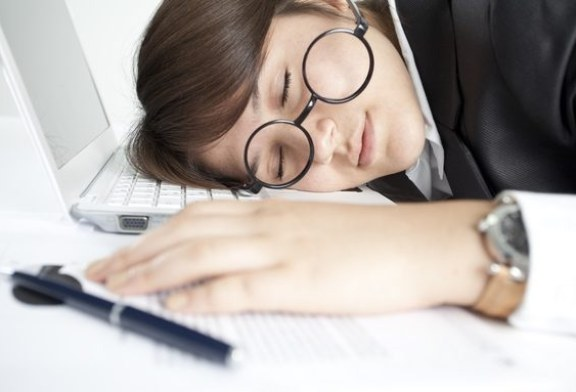 Programul prelungit de lucru poate mari riscul de accident vascular cerebral