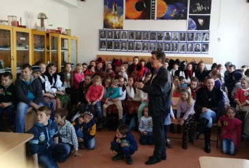Ziua Nationala a Romaniei, sarbatorita de elevii scolii din Crasna Viseului (FOTO)