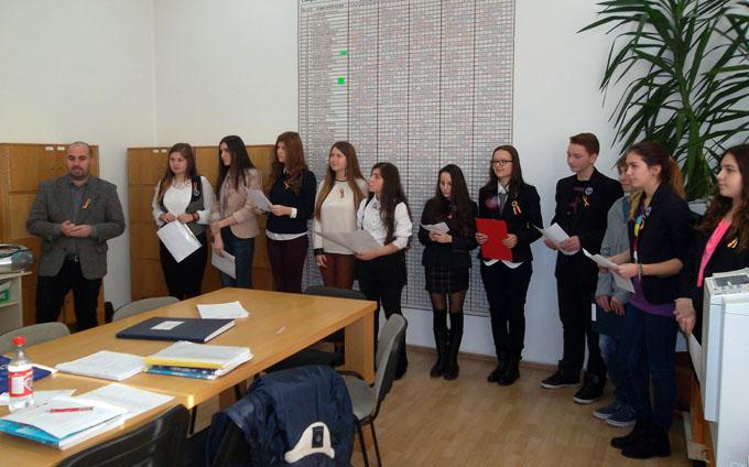 manifestare 1 decembrie colegiul gheorghe sincai (5)