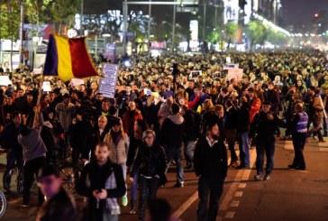 Romanii au iesit in strada: Aproximativ 25.000 de oameni cer schimbarea sistemului