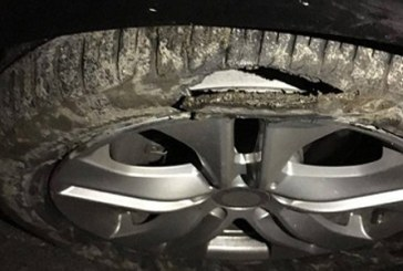 Zeci de soferi isi distrug masinile din cauza unei gropi de pe DN 1 C Baia Mare – Dej