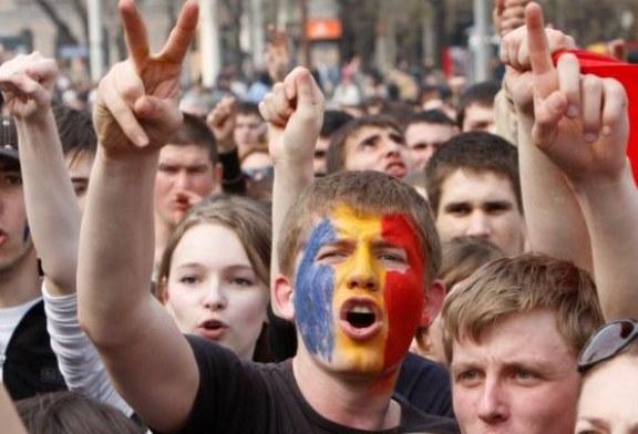 Tinerii din Romania s-au saturat de ipocrizia clasei politice. Acestia iau atitudine (VIDEO)