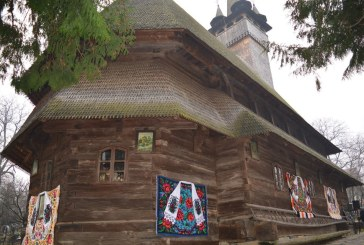 Biserica UNESCO din Budesti, in straie de sarbatoare