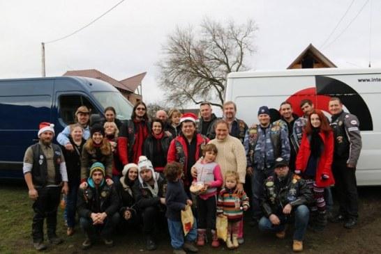 Rockerii din Baia Mare au facut un Craciun mai frumos pentru doua familii nevoiase