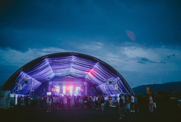 Senzatii tari la AIRFIELD Festival: Artisti internationali, salturi cu parasuta si plimbari cu balonul