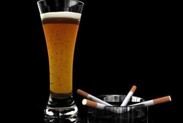 """Consumul simultan de alcool si tutun reprezinta un """"cocteil"""" extrem de periculos pentru sanatate"""