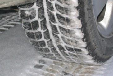 Politistii din Baia Sprie au verificat daca soferii utilizeaza anvelopele de iarna. Ce au descoperit