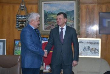 """O delegatie din Ucraina a fost primita la Palatul Administrativ. Proiectul european """"Pace copiilor din intreaga lume"""" prinde contur"""