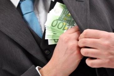 Un maramuresean a ramas fara 7.000 euro, in timpul petrecerii de Sarbatori